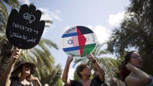 Manifestantes-israelies-progresistas-muestran-ocupacion_71253023_53038_1706x960